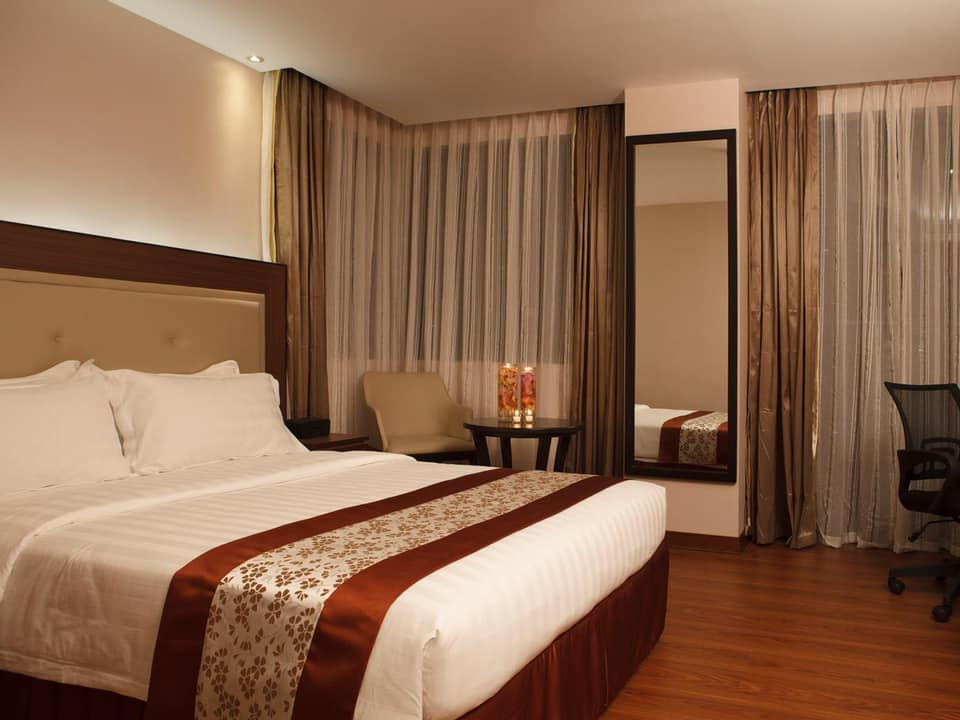 ace-hotel-bedroom