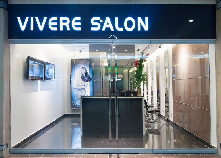 Vivere Salon's Interior and Entrance