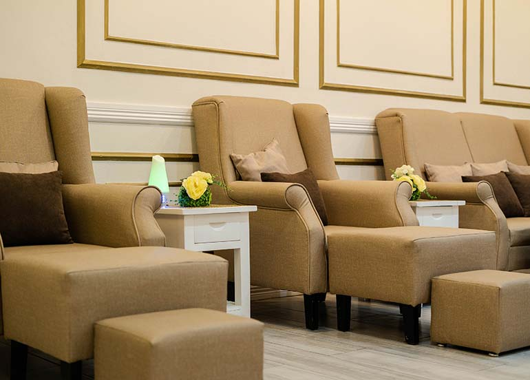 nail-lounge-area-with-beige-arm-chairs