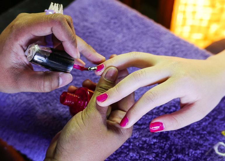 st-nails-manicure