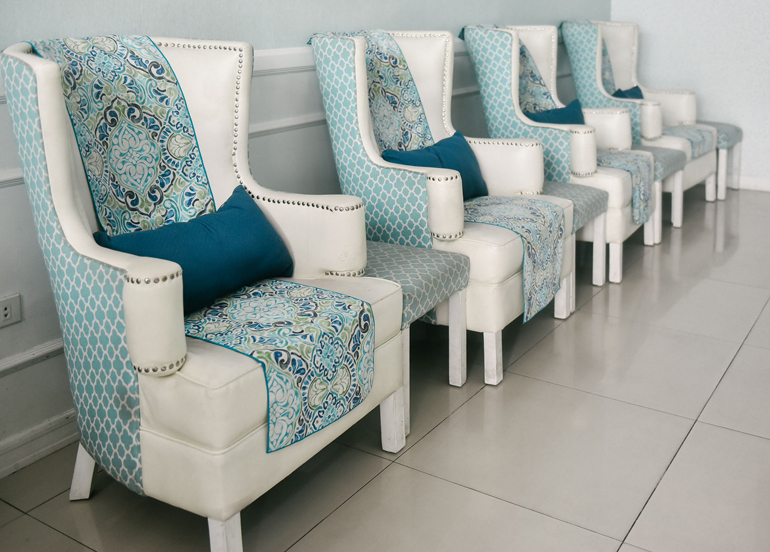 pampered-nails-and-body-interior-chairs
