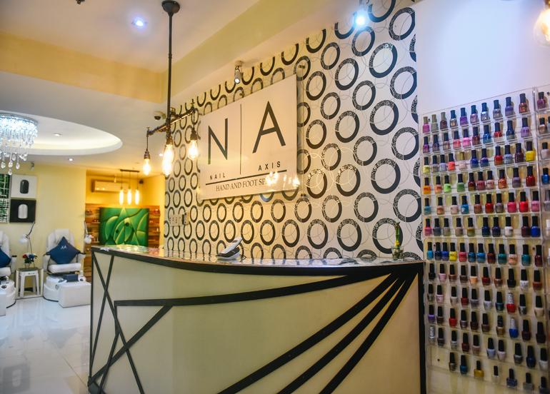 nail-axis-interior-reception
