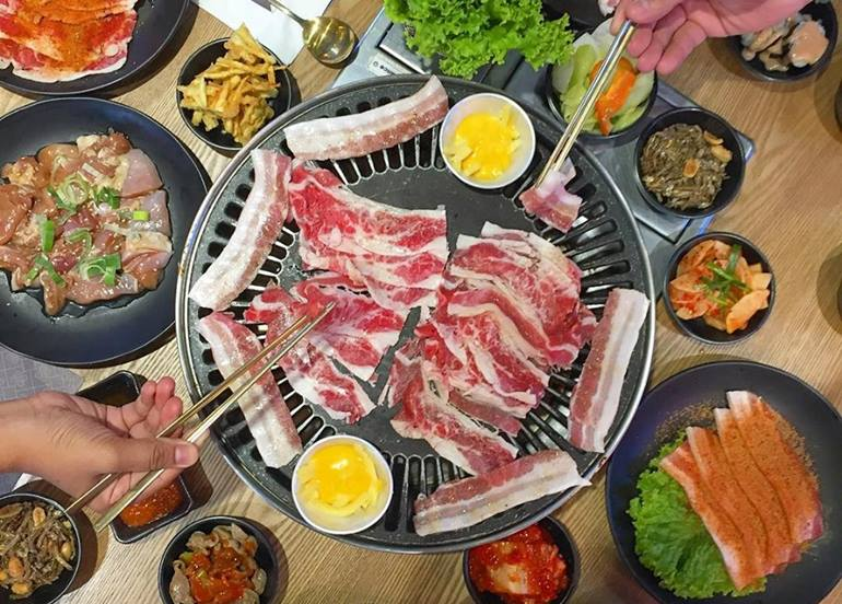 korean-barbecue-sharing