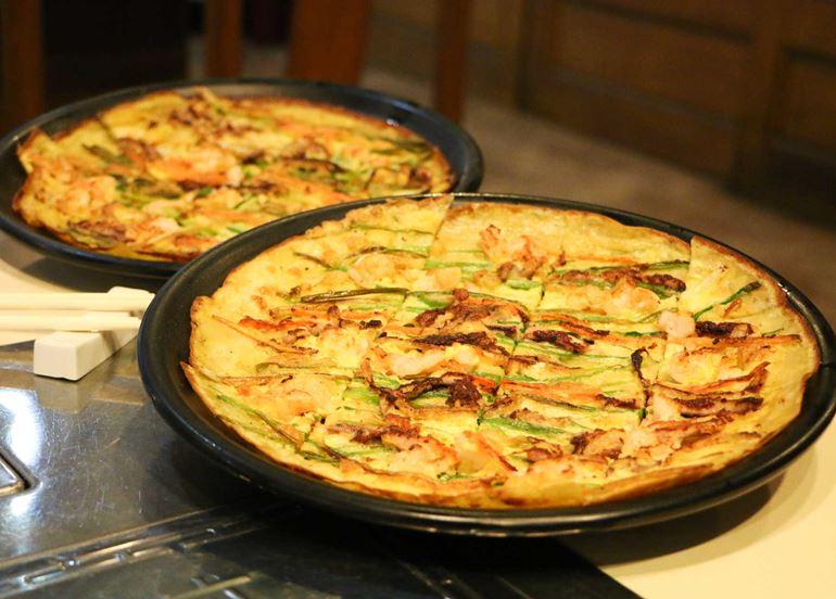 pajeon-korean-seafood-pancake