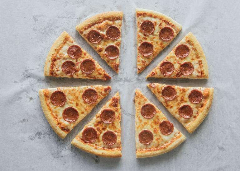 big-guys-pizza-pepperoni