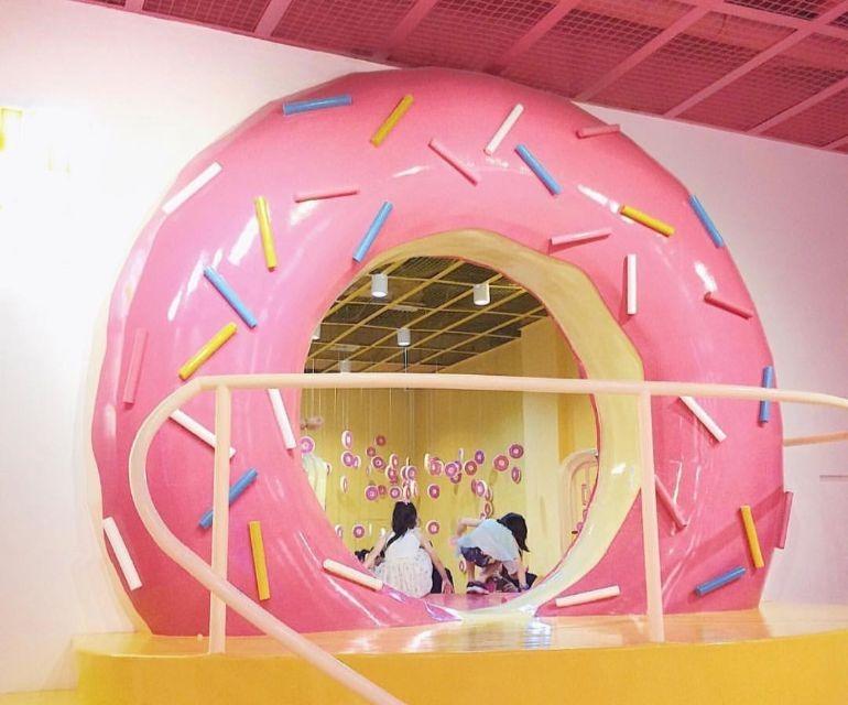 donut-hole-dessert-museum