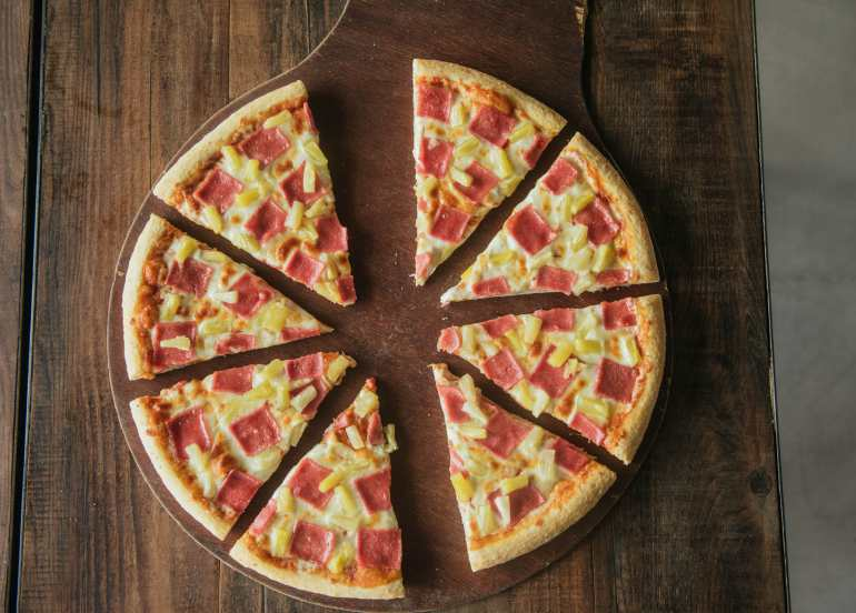 Big Guys Pizza, the Perfect Pizza Joint for Big Appetites