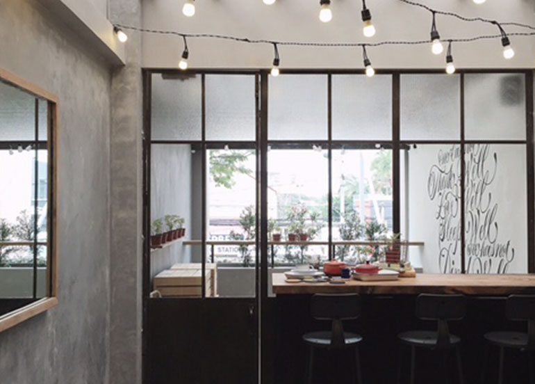 Spoon eat + drink interiors