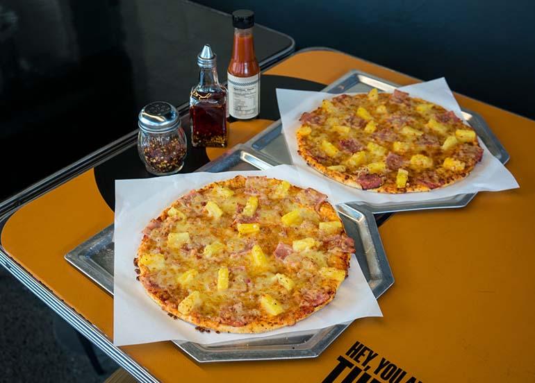 hawaiian-pizzas