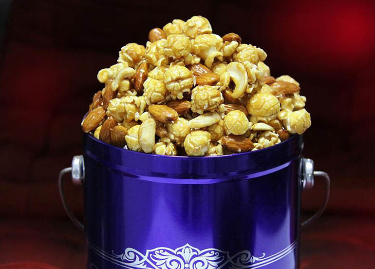 Almond Cashew Crisp Popcorn from Chicago Popcorn Shops