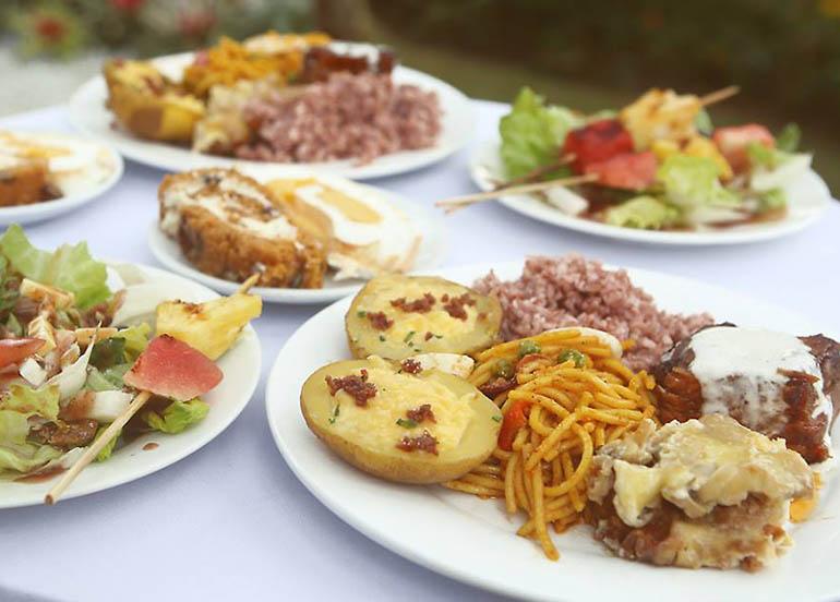 Spaghetti, Cordon Bleu, Chicken, Potatoes from Vizco's Restaurant