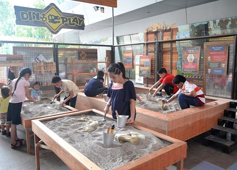 sandbox-fossil-excavation