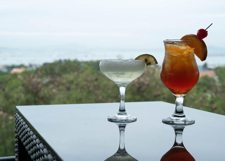 cocktails-19-east