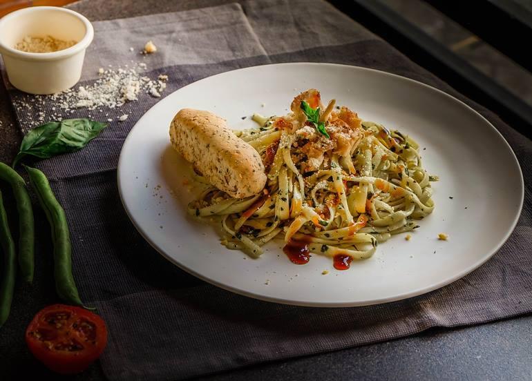 malunggay-pesto-pasta