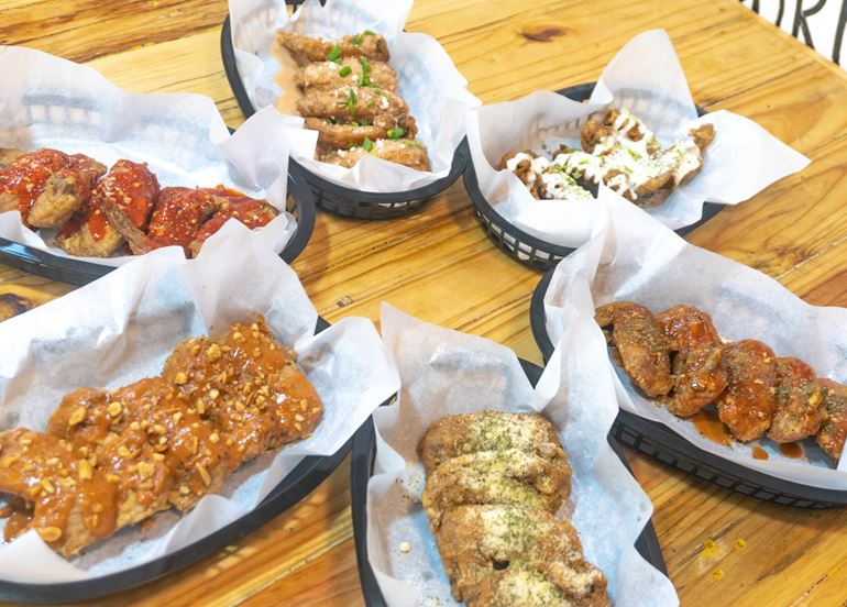 the-busy-buckets-wings