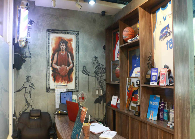 Razor Sports Barbershop with a Basketball-themed Interior
