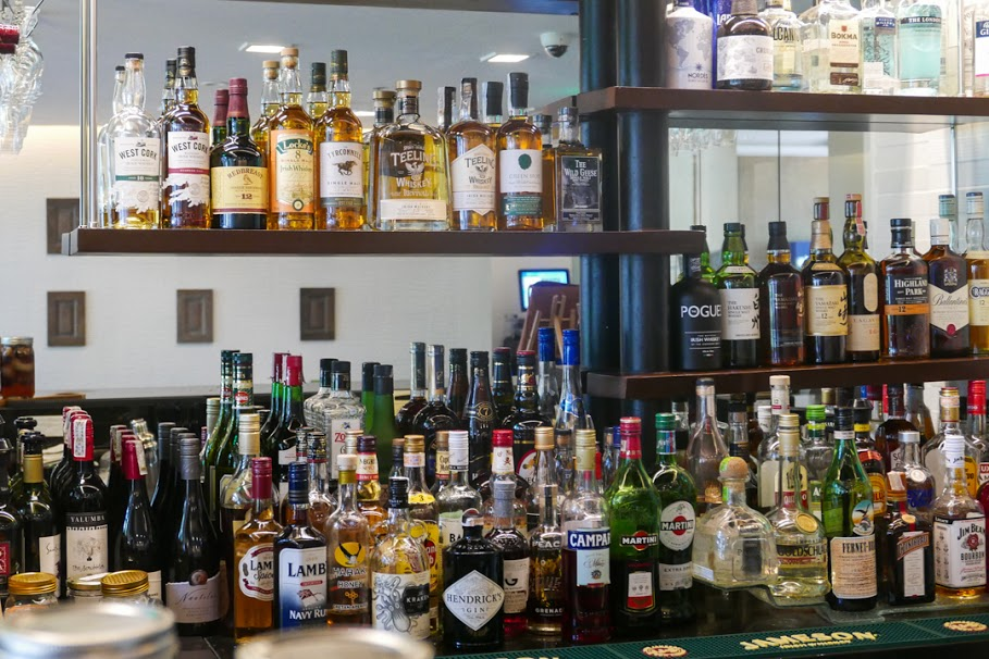 Running Low on Booze? Here's A List Of Liquor Stores That Deliver