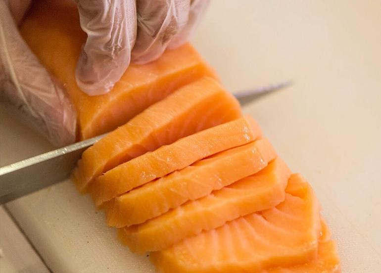13 Restaurants That Deliver Salmon Sashimi