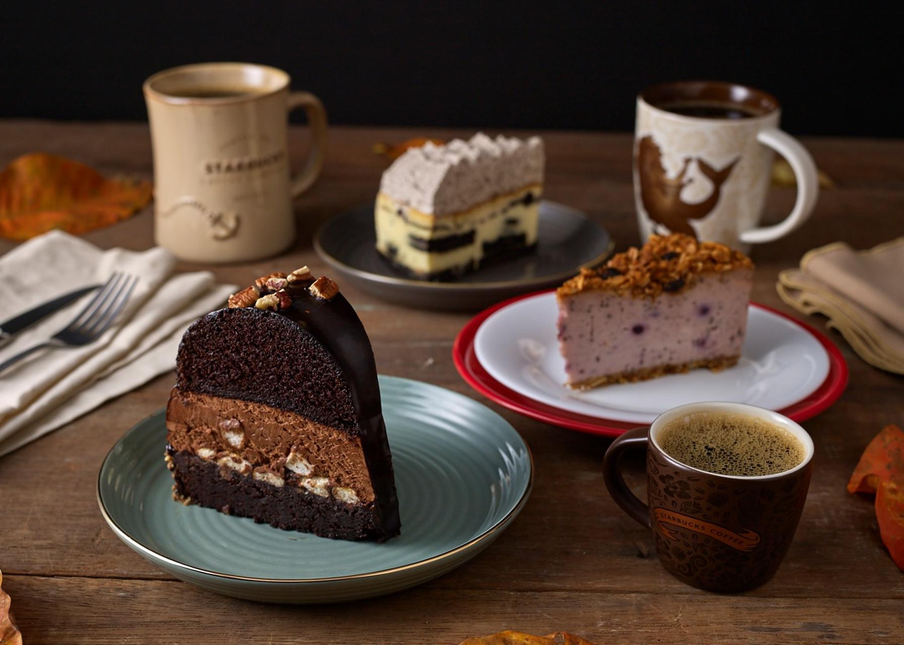 Starbucks releases Blueberry Yogurt Chia Cheesecake and more new cakes!