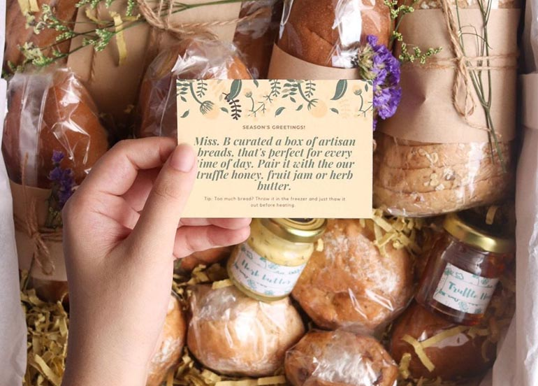 This Christmas Bread Box is the Perfect Gift this Holiday Season