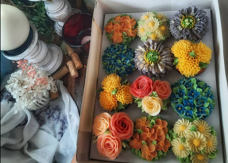 Where to Get Floral Cakes and Cupcakes